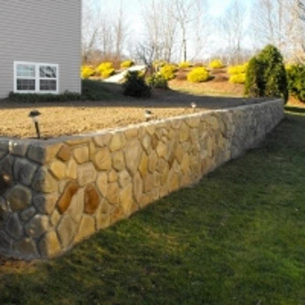 StoneMakers Fieldstone wall