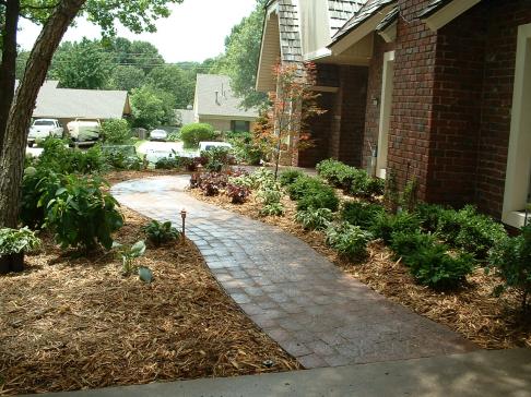 Tulsa Landscape pver sidewalk